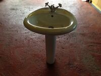 BATHROOM SINK & PEDESTAL C/W MIXER TAP