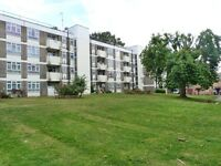 Beautiful 2 bedroom flat in Childs Hill available immediately walking, distance to public transport