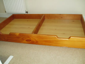 Cot bed draw