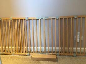 X2 babydan flexi fit wooden gates