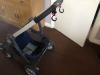 Graco Avant travel system in navy with isofix base