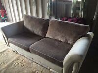 3 seater sofa and 2 matching arm chairs - Excellent Condition