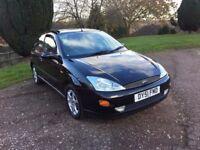 2001 (51) FORD FOUCUS 1600 3 DOOR BLACK EDITION LIMITED EDITION FULL LEATHER INTERIOR LOW LOW MILES