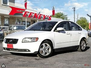 2009 Volvo S40 2.4L w/Sunroof- LEATHER, AUTOMATIC, BLISS