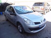 Renault CLIO Extreme,1.2 cc 3 door hatchback,2 keepers,full MOT,nice clean tidy car,runs very well