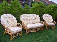 CAN DELIVER - BEAUTIFUL 3 PIECE RATTAN SET: SOFA + 2 ARMCHAIRS IN VERY GOOD CONDITION
