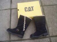 CAT BLACK BOOTS/FUR LINED