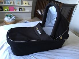 Out n about nipper carrycot