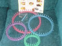 SET OF 4 ROUND KNITTING LOOMS MAKES KNITTING REALLY EASY