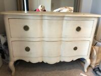 Pretty 2 drawer distressed chest of drawers