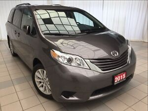 2015 Toyota Sienna LE AWD *1 Owner*