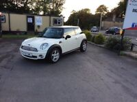 MINI COOPER 1.6 2007 WHITE MANUAL PETROL **IDEAL FIRST CAR**PRICED VERY CHEAP**LOW MILEAGE**