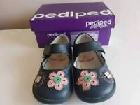 Pediped navy girl's shoes, size 6 infant