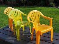 3x children's plastic chairs