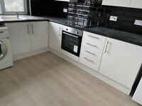 2 DOUBLE BEDROOM FLAT FIRST FLOOR WITH 2 TOILET BATH GARDEN AND PARKING IN RAYNERS LANE