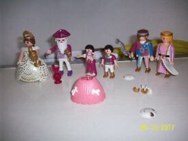 PLAYMOBIL SETS.ROYAL FAMILY AND ROYAL COURT.MIXTURE OF VINTAGE,BASIC AND KLICKY(SOME REASSEMBLED)