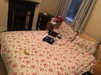 Double bedroom to rent at E17 8BY close to all amnesties