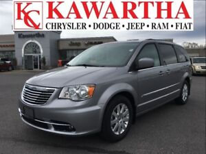 2016 Chrysler Town & Country TOURING**PRICE REDUCED!!!*