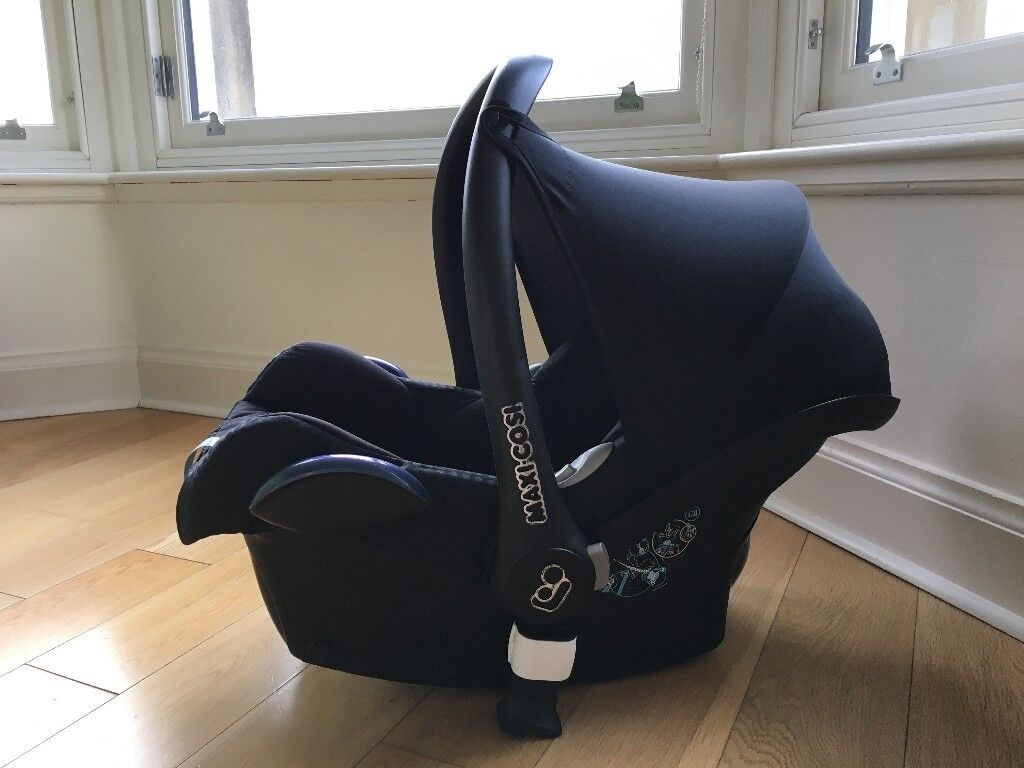 Maxi-Cosi Cabriofix infant carrier for babies, in very good condition