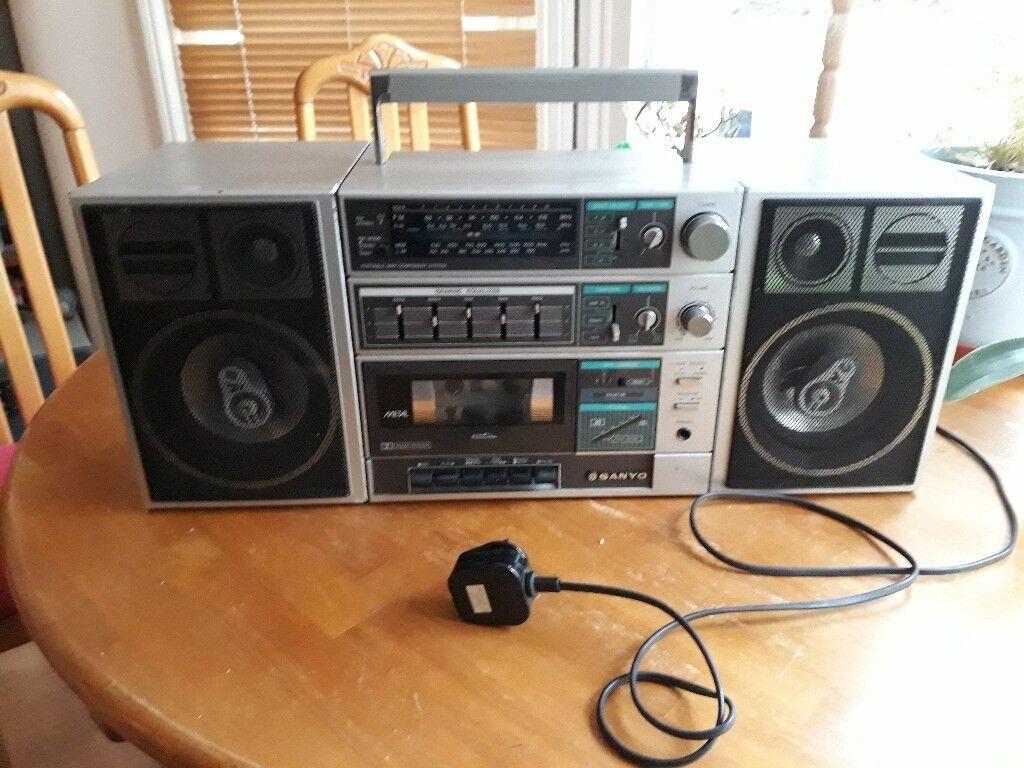 Retro SANYO C30 Boombox Ghetto blaster 1980s Tape recorder, FM Radio, Line In