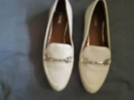 Shoes size 3.5