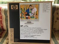 """HP vs19e 19"""" TFT Flat Panel Computer Monitor with Built in Speakers"""