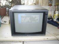 Vintage Sony hr trinitron pvm-14l4 800tvl RGB SDI pro/retro gamimg crt + bkm-120d input