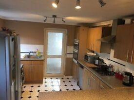 Single room to rent in a beautiful home - bills incuded