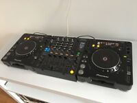 2x Pioneer CDJ-1000MK3 professional CD decks and 1x DJM-800 mixer