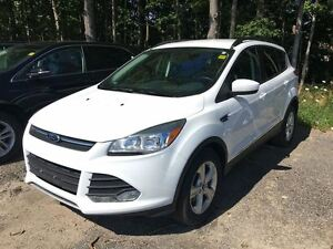 2015 Ford Escape SE - FWD Front Wheel Drive *SUV* Economy. Ready