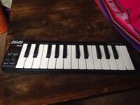 AKAI LPK 25 midi keyboard