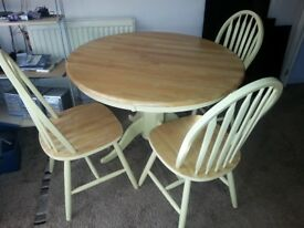 FARMHOUSE SHABBY CHIC PINE TABLE & CHAIRS INCLUDES DELIVERY.