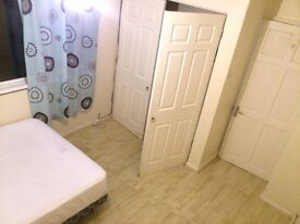 Nice Double Room offered for Rent in 4 Bedroom Furnished House, Near Town, Winklebury, Basingstoke