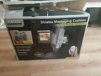 Shiatsu massaging chair/cushion