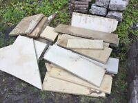 Buff sandstone paving pieces - new