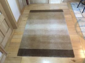 very high quality Handmade rug BELFAST NEWCASTLE can meet deliver cost £175 new carpet livingroom