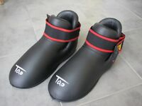 Pair of kickboxing foot guards XL
