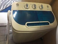 Twin Tub washing machine Ideal for student accommodation,small flats and caravans and boats