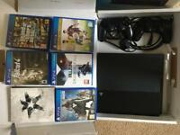 PlayStation 4 incl 2 Controllers and 6 Games