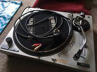Gemini PT-2000 - High Torque Direct-drive DJ Turntable