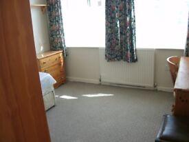 4 furnished rooms £60/£70 pw inc bills drewry lane 5 mins walk town/law uni friargate