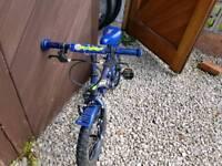 Blue moonman bike with balancers
