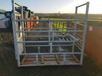 Iae economy cattle crush farm livestock tractor like new