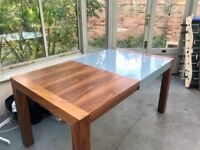 Solid wood expandable dining table