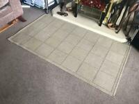 Oatmeal Checkered Rug L58.5in/148cm W32in/80cm Good condition R183