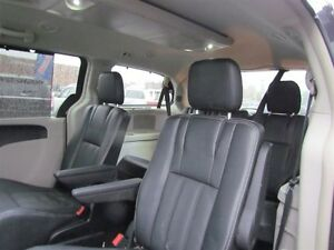 2015 Chrysler Town & Country Touring-L | CAM | LEATHER | REAR AI London Ontario image 16