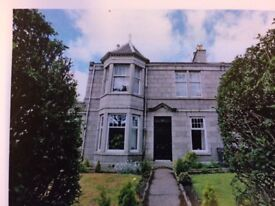 Traditional 2 bedroom 2 public self contained Ground floor Flat in Forest Avenue.