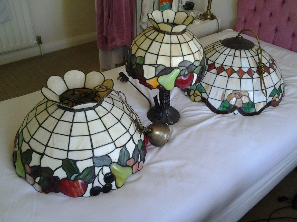 TIFFANY CEILING SHADES AND TABLE LAMP