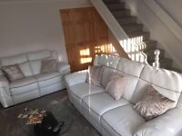 NATUZZI MANUFACTURED 2 PIECE REAL LEATHER RECLINING SOFAS