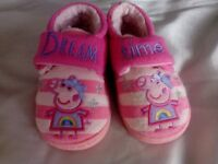Peppa pig slippers size4/5